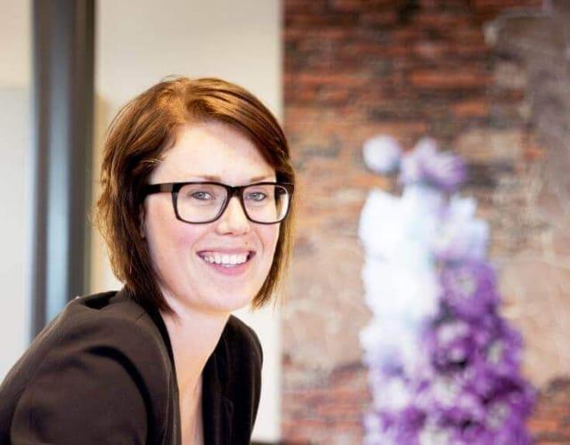 Rosanne van Staalduinen gebruikt de Nanda urenregistratie app voor het bijhouden van haar gewerkte uren