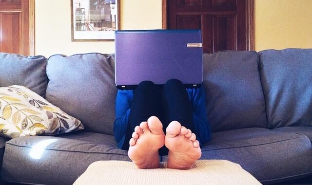 Thuiswerken: Productief op je sloffen. Of op blote voeten.